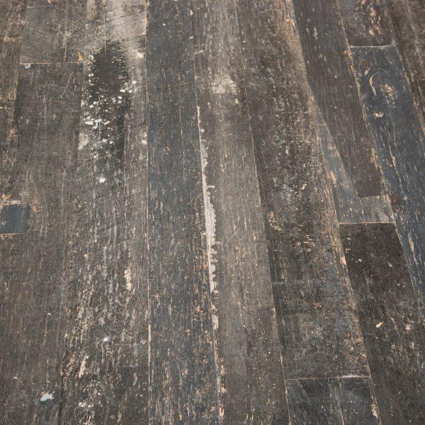 pavimento legno rovere nero